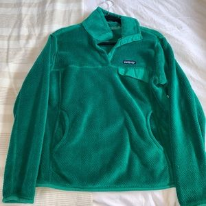 Women's Patagonia Pullover - Green!